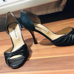 Good condition Manolo Blahnik peep toe heels